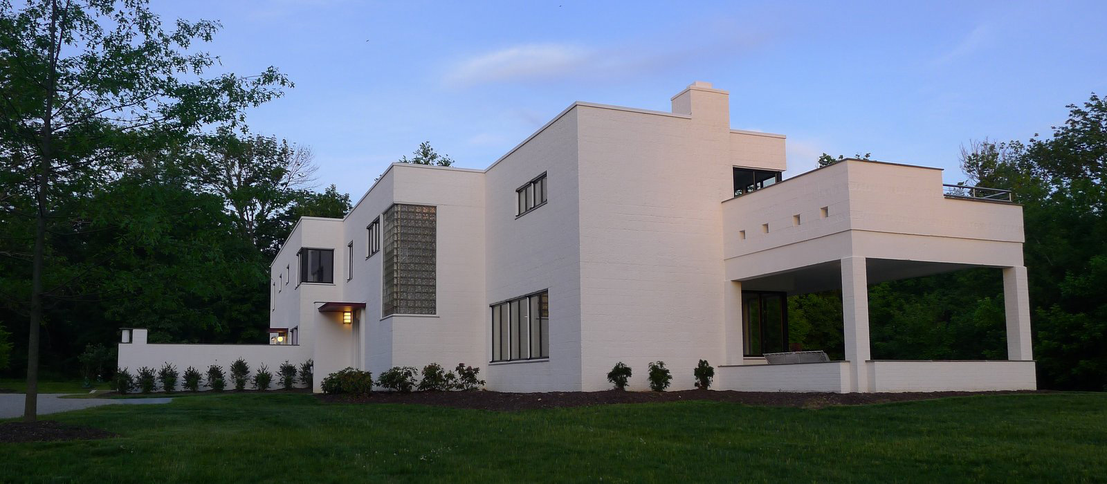 The rauh house international style home is on the market for International housse