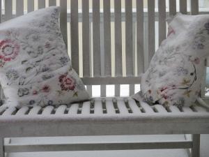 Cushions_Snow
