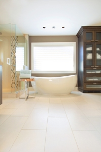 Bathroom_Tub_Upscale
