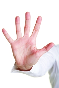 Fünf ausgestreckte Finger