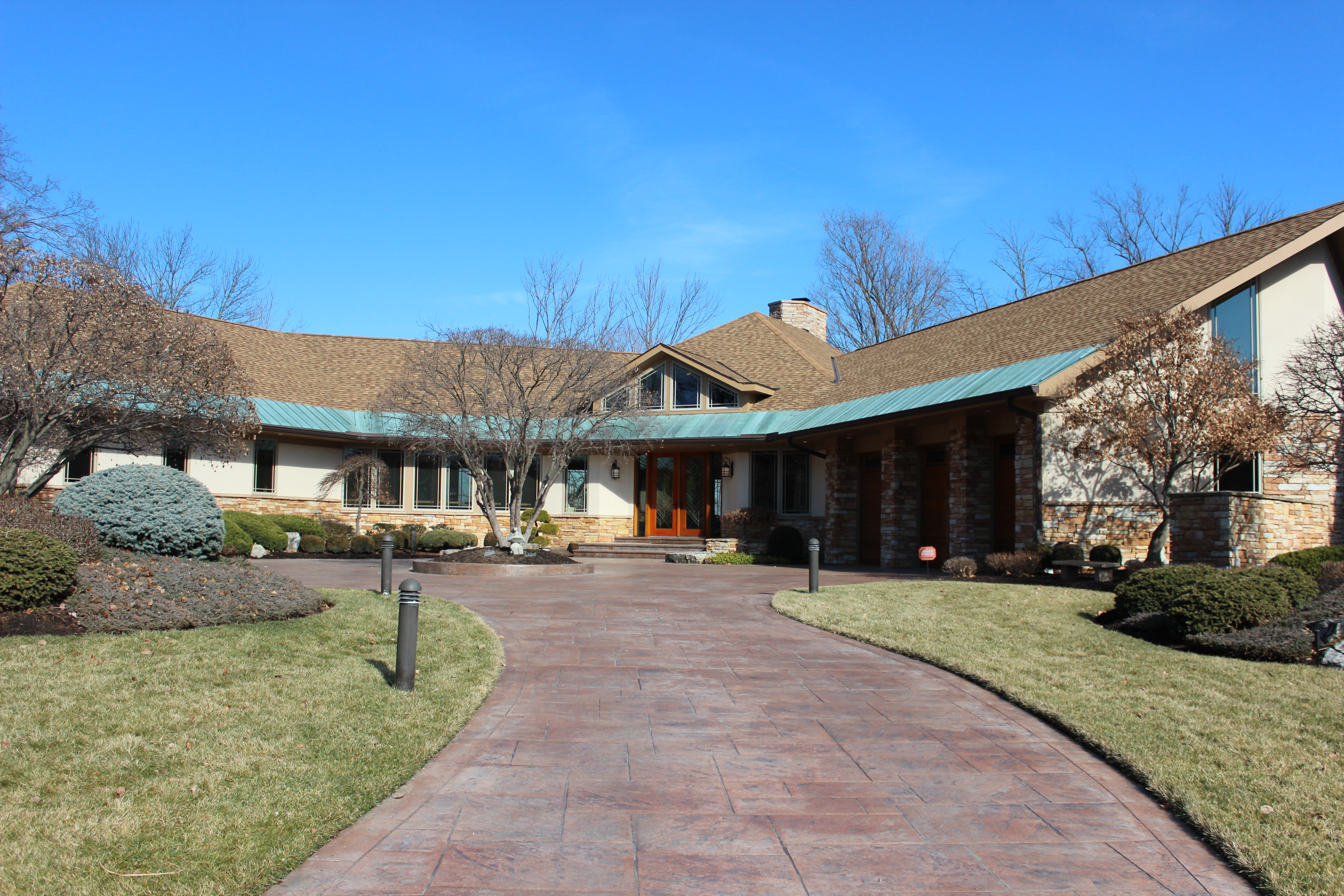A frank lloyd wright inspired home available for sale for Inspire home