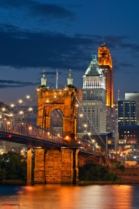Cinti_Evening_Bridge_Lights