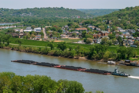 NKY_River_Barge.jpg