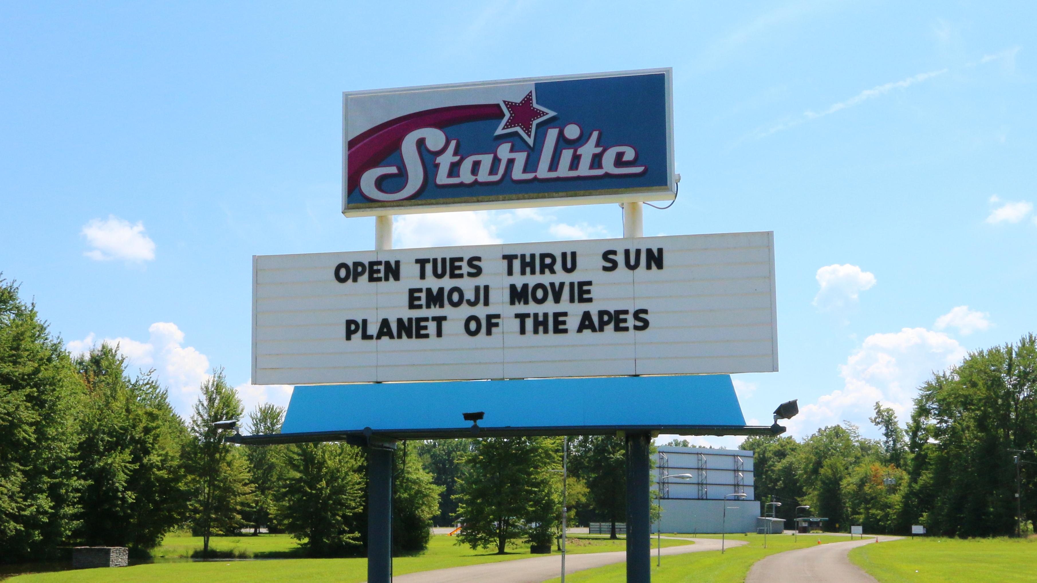 StarliteOutdoorTheater_sign6