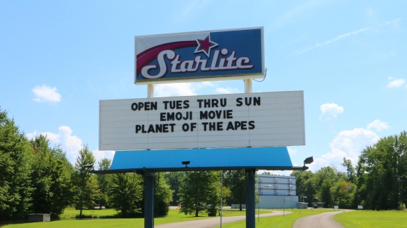StarliteOutdoorTheater_sign6