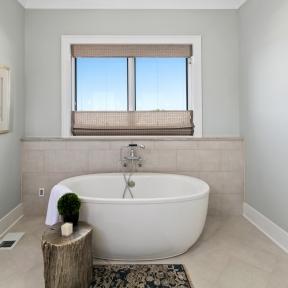 10-master-bath-image-2